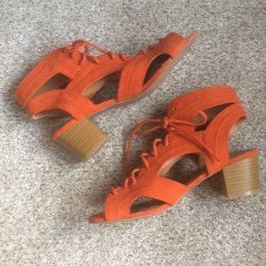 Qupid Burnt Orange Lace/Ups  Size 71/2